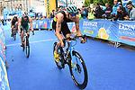 06.07.2019,  Innenstadt, Hamburg, GER, Hamburg Wasser World Triathlon, Elite Mainner, im Bild die Triathleten auf dem Fahrrad auf dem Rathausplatz mit Jonas Schomburg (GER) Foto © nordphoto / Witke *** Local Caption ***