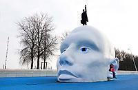 Nederland Lelystad - Januari 2018. Kunstwerk Boven Water van Henk Hofstra. Foto Berlinda van Dam / Hollandse Hoogte