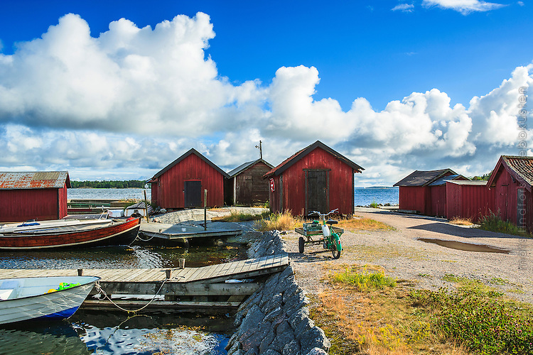 Fiskebodar vid Löka på Möja i Stockholms skärgård. / Fish Sheds at Löka on Möja in the Stockholm archipelago Sweden. .