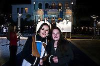 Mislim da Sarajevo mnogo zaostaje iza EU. Treba dosta raditi u svakom pogledu prije ulaska u EU. / Sve ?e vremenom do?i na svoje mjesto. /I think that Sarajevo lags a lot behind the EU. It needs a lot of work in every aspect before entering the EU. / Everything will eventually fall into place.