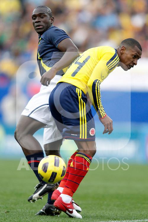 Colombia's national team Luis Amaranto Perea against Ecuador's Segundo Castillo during international friendly. March 26, 2011. (ALTERPHOTOS/Alvaro Hernandez)