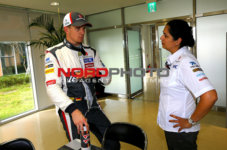 03.06.10.2013, Korea-International-Circuit, Yeongam, KOR, F1, Gro&radic;&uuml;er Preis von S&radic;ľdkorea, Yeongam, im Bild Nico Huelkenberg (GER), Sauber F1 Team - Monisha Kaltenborn (AUT), Sauber F1 Team, Managing Director <br /> for Austria &amp; Germany Media usage only!<br />  Foto &not;&copy; nph / Mathis