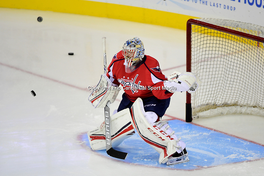Friday, April 22, 2016: Washington Capitals goalie Braden Holtby (70) warms up before game 5 of the first round of the National Hockey League Eastern Conference playoffs  between the Philadelphia Flyers and the Washington Capitals held at the Verizon Center in Washington, DC. The Flyers defeat the Capitals 2-0. Eric Canha/CSM