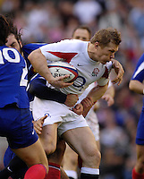Twickenham, GREAT BRITAIN, Josh LEWSEY Breaking through the French defence, during the England vs France Six Nations Rugby International at Twickenham Stadium England on Sunday 11.03.2007,  [Photo Peter Spurrier/Intersport Images]