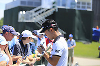 Kevin Na (USA) with fans after his round during Friday's Round 2 of the 117th U.S. Open Championship 2017 held at Erin Hills, Erin, Wisconsin, USA. 16th June 2017.<br /> Picture: Eoin Clarke | Golffile<br /> <br /> <br /> All photos usage must carry mandatory copyright credit (&copy; Golffile | Eoin Clarke)