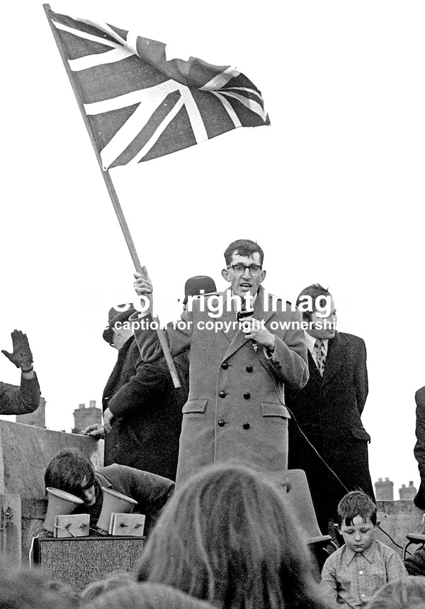 Union Jack waving David Riddelsdell, loyalist politician &amp; Belfast city councillor, addresses public meeting in Ardoyne, N Belfast, N Ireland, in support of the British Army's Parachute Regiment, who were very unpopular in Republican areas. 197304220214<br /> <br /> Copyright Image from Victor Patterson, 54 Dorchester Park, Belfast, UK, BT9 6RJ<br /> <br /> Tel: +44 28 9066 1296<br /> Mob: +44 7802 353836<br /> Voicemail +44 20 8816 7153<br /> Email: victorpatterson@me.com<br /> <br /> <br /> IMPORTANT: If you wish to use this image or any other of my images please go to www.victorpatterson.com and click on the Terms &amp; Conditions. Then contact me by email or phone with the reference number(s) of the image(s) concerned.