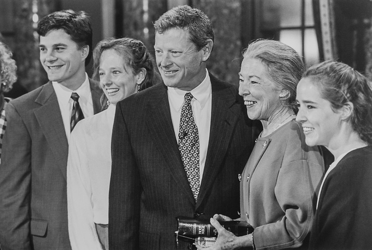 Jim Rapert (son-in-law), Molly Inhofe-Rapert (daughter), Sen. Jim Inhofe, R-Okla., wife Kay Kirkpatrick and daughter Katie, on Nov. 21, 1994. (Photo by Laura Patterson/CQ Roll Call via Getty Images)