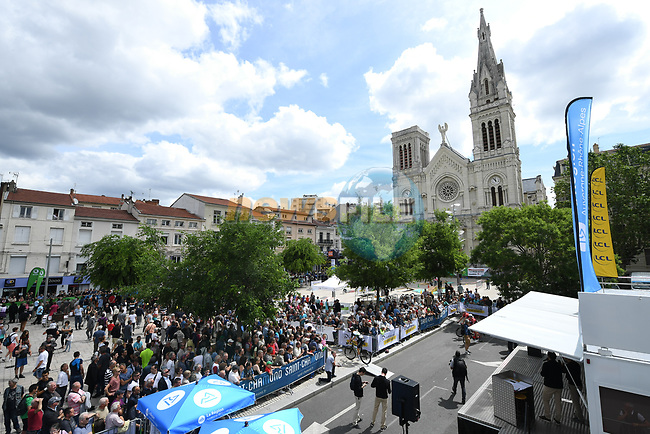 Sign on before the start of Stage 2 of the Criterium du Dauphine 2017, running 171km from Saint-Chamond to Arlanc, France. 5th June 2017. <br /> Picture: ASO/A.Broadway | Cyclefile<br /> <br /> <br /> All photos usage must carry mandatory copyright credit (&copy; Cyclefile | ASO/A.Broadway)