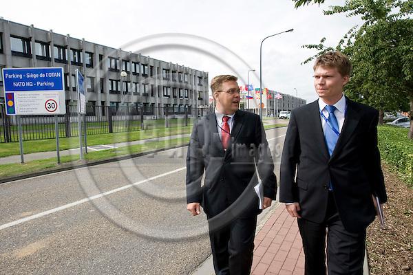 BRUSSELS - BELGIUM - 02 SEPTEMBER 2008 -- Major Esa MAKINEN (Mäkinen) with Juha ALA-HUIKKU. They both work in NATO. -- PHOTO: JUHA ROININEN / EUP-IMAGES