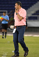 BARRANQUILLA - COLOMBIA -09-02-2014: Harold Rivera, tecnico de Patriotas FC durante partido de la octava fecha de la Liga Postobon I 2014, jugado en el estadio Metropolitano Roberto Melendez de la ciudad de Barranquilla. / Harold Rivera, coach of Patriotas FC during a match for the eighth date of the Liga Postobon I 2014 at the Metropolitano Roberto Melendez stadium in Barranquilla city. Photo: VizzorImage  / Alfonso Cervantes / Str.