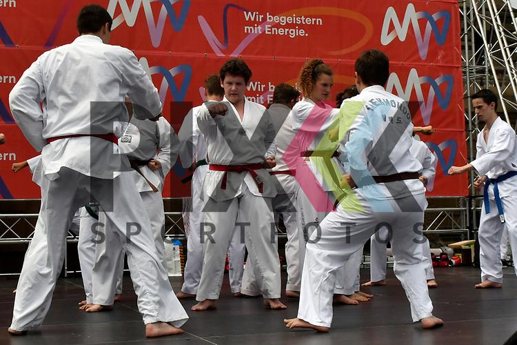 Mannheim 16.07.17 28. Sport &amp; Spiel am Wasserturm im Bild der Taekwon Do Club Wallstadt.<br /> <br /> Foto &copy; Ruffler For editorial use only. (Bild ist honorarpflichtig - No Model Release!)