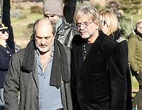 Tony Esposito  partecipa ai funerali  di  Pino Daniele al santuario del divino amore di Roma