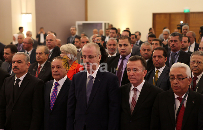 Palestinian Prime Minister Rami Hamdallah participates in a conference of the Palestinian investors in the homeland and in the Diaspora, in the West Bank city of Ramallah, May 4, 2015. Photo by Shadi Hatem