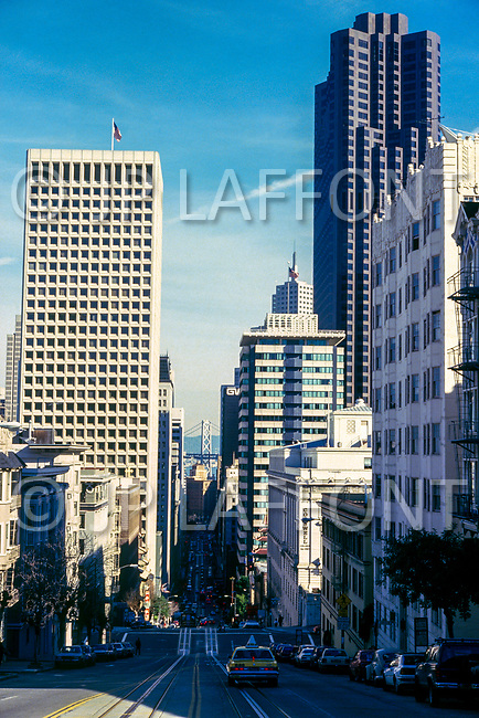 1986, San Francisco, California, USA --- Steep Street in Downtown San Francisco --- Image by © JP Laffont