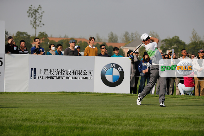 Paul Casey (ENG) during the final round of the BMW Masters, Lake Malarian Golf Club, Boshan, Shanghai, China.  15/11/2015.<br /> Picture: Golffile | Fran Caffrey<br /> <br /> <br /> All photo usage must carry mandatory copyright credit (&copy; Golffile | Fran Caffrey)