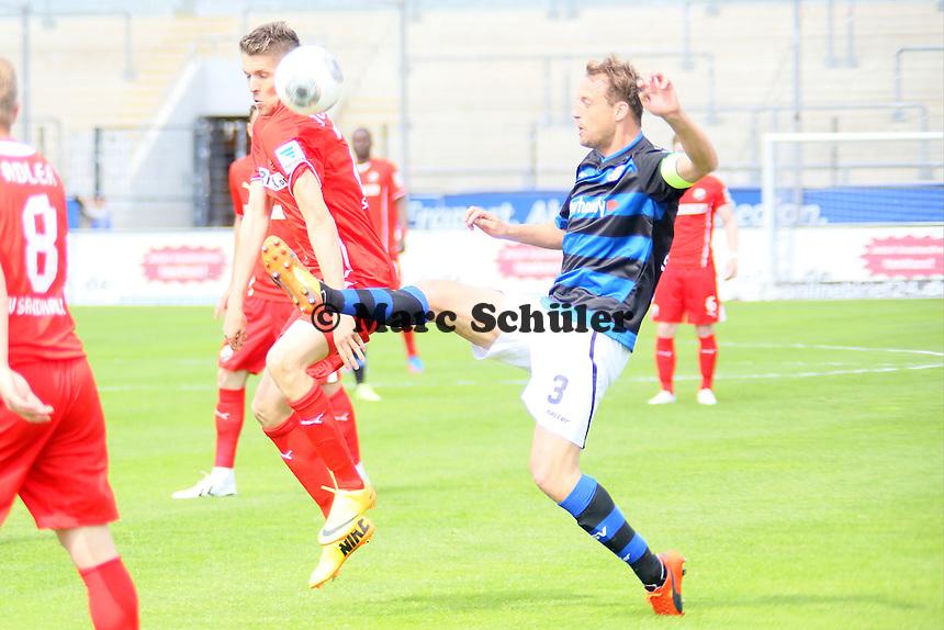 Björn Schlicke (FSV) gegen Ranisav Jovanovic (SVS) - FSV Frankfurt vs. SV Sandhausen, Frankfurter Volksbank Stadion