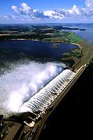 Vertedouro da hidrelétrica de Tucuruí no Pará.<br />©Foto: Paulo Santos/Interfoto<br />26/04/2002<br />Cromo Cor 135 Tucuruí  P 13 C3