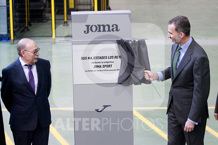 King Felipe VI of Spain (r) with the founder of the company Fructuoso Lopez during the visit to the facilities of the Spanish sportswear company JOMA Sports. January 19, 2018. (ALTERPHOTOS/Acero)