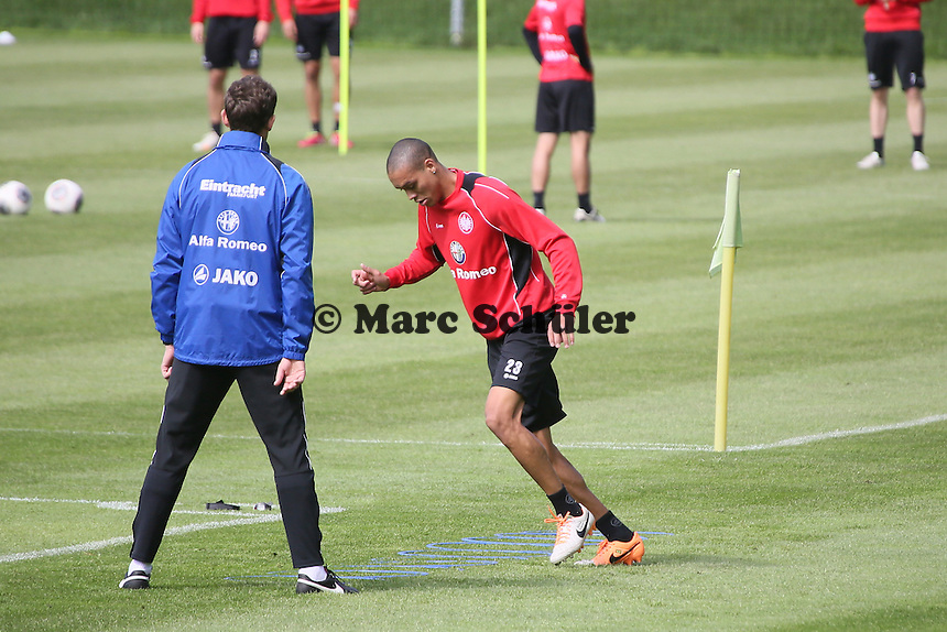Bamba Anderson (Eintracht) im Einzeltraining - Eintracht Frankfurt Training, Commerzbank Arena