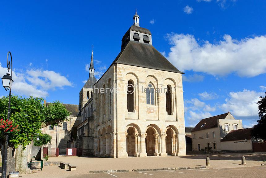 France, Loiret (45), Saint-Benoît-sur-Loire, abbaye de Saint-Benoît-sur-Loire, ou abbaye de Fleury, patrimoine mondial de l'UNESCO // France, Loiret, Saint Benoît sur Loire, Abbey of Saint-Benoît-sur-Loire, or Fleury Abbey,  listed as World Heritage by UNESCO