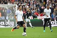 Sami Khedira und Jerome Boateng (D) organisieren die deutsche Defensive - EM 2016: Deutschland vs. Polen, Gruppe C, 2. Spieltag, Stade de France, Saint Denis, Paris