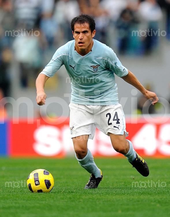 FUSSBALL INTERNATIONAL   SERIE A   SAISON 2010/2011    S.S. Lazio - AS Roma    07.11.2010 Ledesma Cristian (Lazio)
