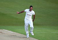 PICTURE BY VAUGHN RIDLEY/SWPIX.COM - Cricket - County Championship Div 2 - Yorkshire v Kent, Day 1 - Headingley, Leeds, England - 05/04/12 - Yorkshire's Ajmal Shahzad appeals.