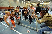 TURNEN: HEERENVEEN: 19-09-2015, Turninterland | In voorbereiding op WK turnen in Glasgow, herenturnen in Heerenveen, interland Nederland -Italië- België, Winnaar Team Nederland, Bart Deurloo op de foto met jonge turnfans, ©foto Martin de Jong