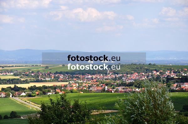 Blick von Hornberg bei Framersheim über Dittelsheim-Hessloch in Rheinhessen nach Biblis auf der hessischen Rheinseite