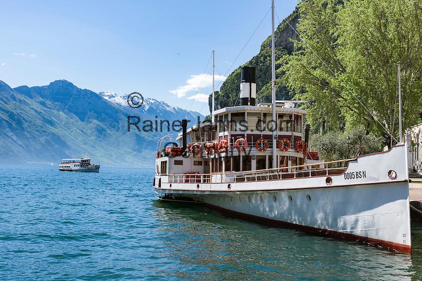 Italy, Trentino, Lake Garda, Riva del Garda: excursion boat, paddle steamer | Italien, Trentino, Gardasee, Riva del Garda: Ausflugsschiff, Raddamper