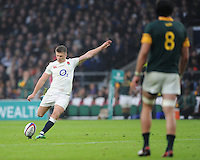 George Ford of England takes a penalty kick as Warren Whiteley of South Africa look on during the Old Mutual Wealth Series match between England and South Africa at Twickenham Stadium on Saturday 12th November 2016 (Photo by Rob Munro)