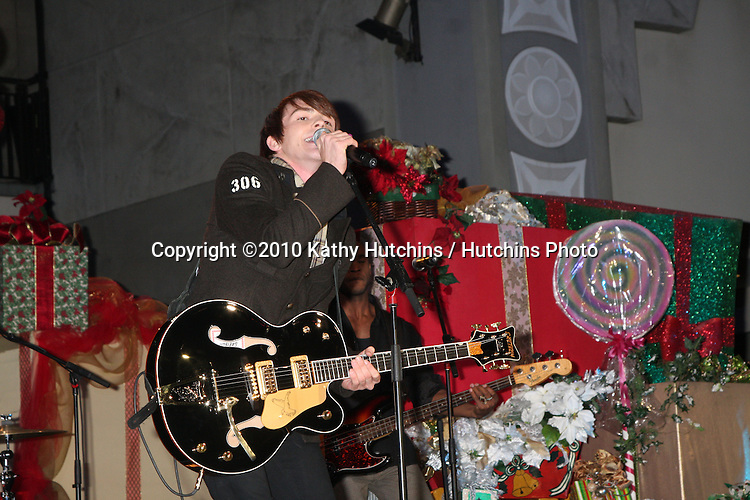 LOS ANGELES - NOV 20:  Drake Bell at the Hollywood & Highland Tree Lighting Concert 2010  at Hollywood & Highland Center Cour on November 20, 2010 in Los Angeles, CA