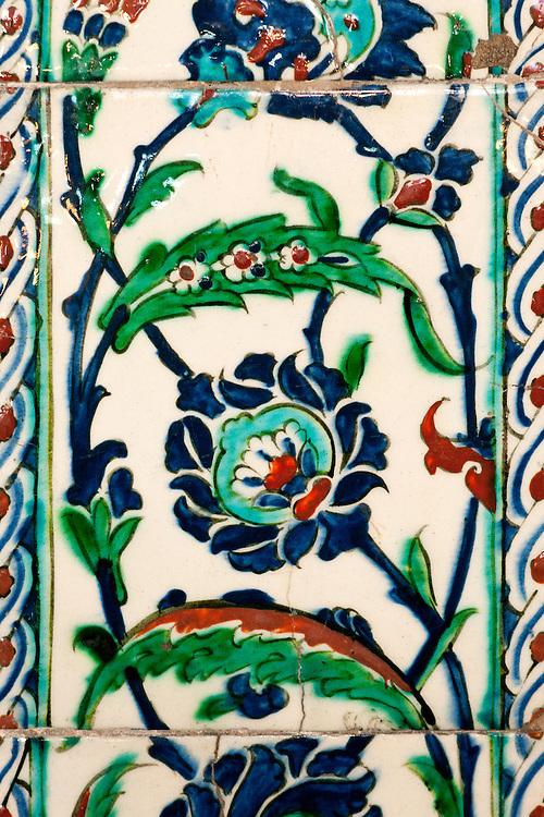 Iznik 20 - Iznik tiles in the tomb of Sultan Ahmet, Sultanahmet, Istanbul, Turkey