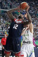 Slovenia's Klemen Prepelic (r) and USA's DeMarcus Cousins during 2014 FIBA Basketball World Cup Quarter-Finals match.September 9,2014.(ALTERPHOTOS/Acero)