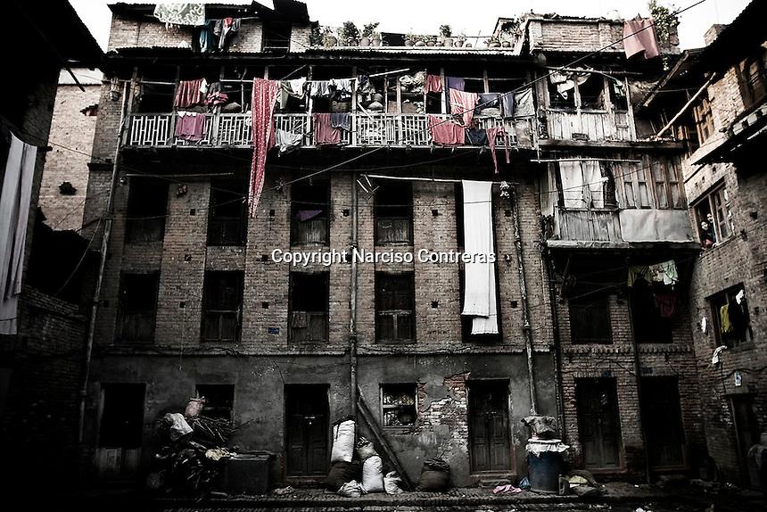 BUILDING LOAFS IN BAKTAPUR AREA. KATHMANDU, NEPAL.