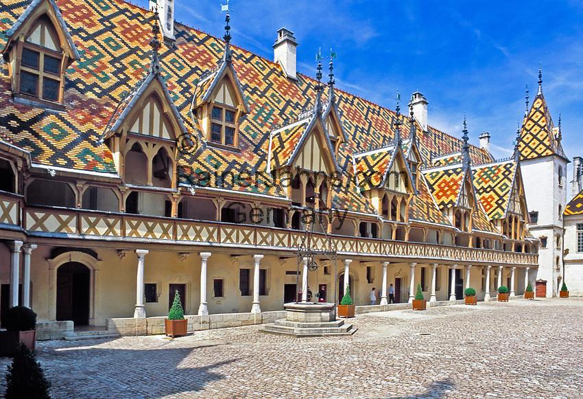Frankreich, Burgund, Côte d'Or, Beaune, Hôtel-Dieu (Hospices de Beaune)   France, Burgundy, Côte d'Or, Beaune, Hôtel-Dieu (Hospices de Beaune)