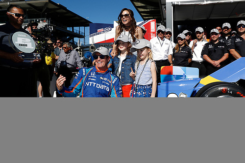 Verizon IndyCar Series<br /> Indianapolis 500 Qualifying<br /> Indianapolis Motor Speedway, Indianapolis, IN USA<br /> Sunday 21 May 2017<br /> Scott Dixon, Chip Ganassi Racing Teams Honda with the Verizon P1 Pole Award flag, daughters Poppy and Tilly, wife Emma, and team.  World Copyright: Michael L. Levitt<br /> LAT Images<br /> ref: Digital Image levitt-0517-ims_50124