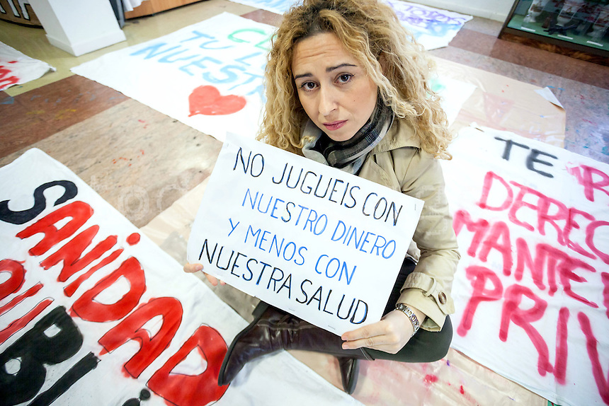 Sonia Martin, a surgical nurse of the Hospital La Princesa, against the privatization of the public health in Spain