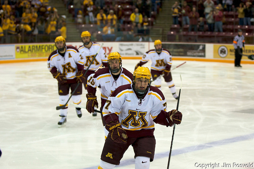 21 Oct 11: Minnesota jubo. The University of Minnesota Golden Gophers host the University of Vermont Catamounts in a non-conference matchup at Mariucci Arena in Minneapolis, MN.