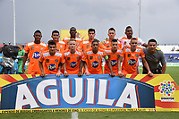 MONTERIA - COLOMBIA, 17-04-2019: Jugadores de Envigado posan para una foto previo al partido por la fecha 16 de la Liga Águila I 2019 entre Jaguares de Córdoba F.C. y Envigado F.C. jugado en el estadio Jaraguay de la ciudad de Montería. / Players of Envigado pose to a photo prior the match for the date 16 as part Aguila League I 2019 between Jaguares de Cordoba F.C. and Envigado F.C. played at Jaraguay stadium in Monteria city. Photo: VizzorImage / Andres Felipe Lopez / Cont