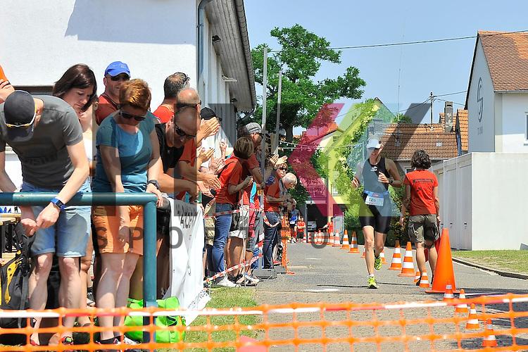 Impressionen beim BASF Triathlon Cup Rhein Neckar 2015 in Mussbach.<br /> <br /> Foto &copy; Rhein-Neckar-Picture *** Foto ist honorarpflichtig! *** Auf Anfrage in hoeherer Qualitaet/Aufloesung. Belegexemplar erbeten. Veroeffentlichung ausschliesslich fuer journalistisch-publizistische Zwecke. For editorial use only.