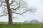 Europa, DEU, Deutschland, Nordrhein Westfalen, NRW, Rheinland, Niederrhein, Glabbach, Landschaft, Morgenstimmung, Dunst, Baum, Haus, Wohnhaus, , Kategorien und Themen, Natur, Umwelt, Landschaft, Landschaftsfotos, Landschaftsfotografie, Landschaftsfoto, Wetter, Wetterelemente, Wetterlage, Wetterkunde, Witterung, Witterungsbedingungen, Wettererscheinungen, Meteorologie, Wettervorhersage......[Fuer die Nutzung gelten die jeweils gueltigen Allgemeinen Liefer-und Geschaeftsbedingungen. Nutzung nur gegen Verwendungsmeldung und Nachweis. Download der AGB unter http://www.image-box.com oder werden auf Anfrage zugesendet. Freigabe ist vorher erforderlich. Jede Nutzung des Fotos ist honorarpflichtig gemaess derzeit gueltiger MFM Liste - Kontakt, Uwe Schmid-Fotografie, Duisburg, Tel. (+49).2065.677997, archiv@image-box.com, www.image-box.com]
