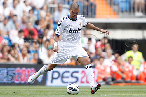 19.08.2012 Madrid, Spain. La Liga Football. Real Madrid CF vs Valencia C.F. (1-1) at Santiago Bernabeu stadium. The picture shows Kepler Laveran Pepe (Portuguese) defender of Real Madrid)
