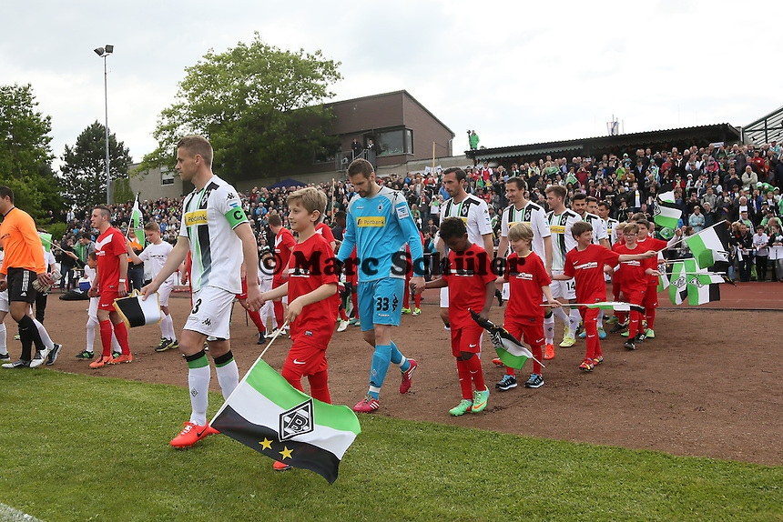 Borussia Mönchengladbach läuft ein