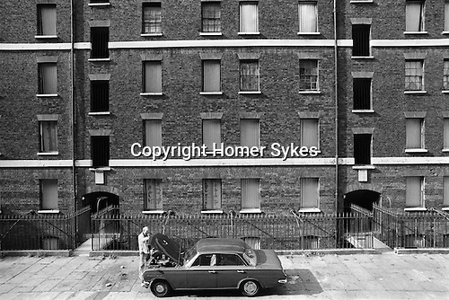 Peabody Housing Estate. Tower Hamlets Whitechapel east London UK 1975