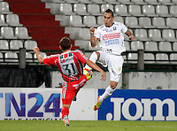 MANIZALES -COLOMBIA, 01-06-2013. Alcatraz García (D) del Once Caldas disputa el balón con Nicolás Carreño (I) de Patriotas durante partido de la fecha 18 de la Liga Postobón 2013-1 jugado en el estadio Palogrande de Manizales./ Once Caldas' Player Alcatraz Garcia (R) fights for the ball with Patriotas' players Nicolas Carreño (L) during match of the 18th date of Postobon  League 2013-1 at Palogrande stadium in Manizales. Photo: VizzorImage/Yonboni/STR