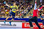 Jerry TOLLBRING (#17 Rhein-Neckar Loewen) / Juergen MUELLER (#12 SG Bietigheim)\ beim Spiel in der Handball Bundesliga, SG BBM Bietigheim - Rhein Neckar Loewen.<br /> <br /> Foto &copy; PIX-Sportfotos *** Foto ist honorarpflichtig! *** Auf Anfrage in hoeherer Qualitaet/Aufloesung. Belegexemplar erbeten. Veroeffentlichung ausschliesslich fuer journalistisch-publizistische Zwecke. For editorial use only.