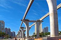 Obra de construçao de Monotrilho na Avenida Roberto Marinho. Sao Paulo. 2013. Foto de Marcia Minillo.