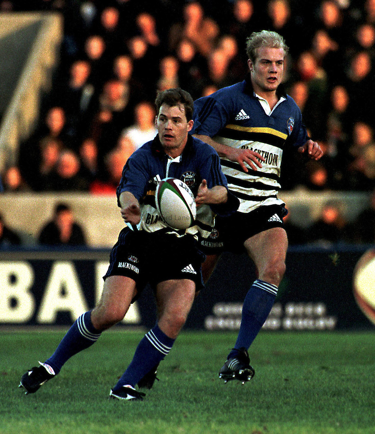 Photo. Richard Lane. .Harlequins v Bath. 21/11/98. Jon Preston.