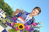 FIERLJEPPEN, WINSUM:  FK Fierljeppen, Gerard Hooisma uit Oudehaske werd kampioen bij de jongens met 15.93m, ©foto Martin de Jong